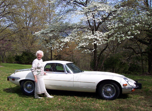 74 e-type & Retha Warner april 04